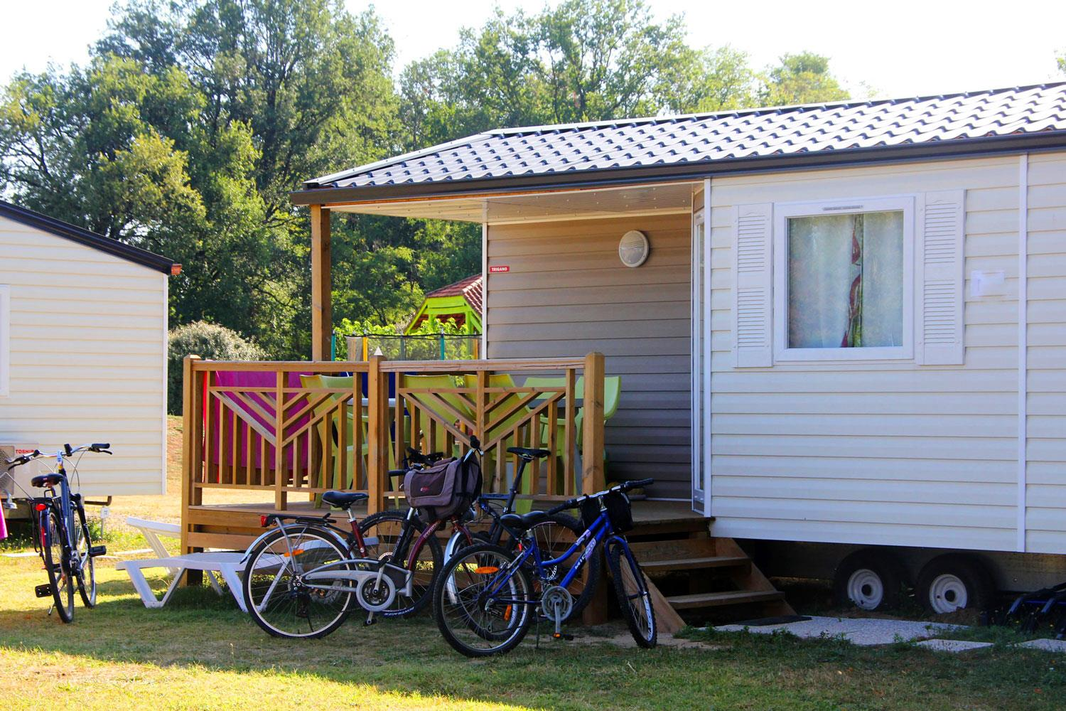 Accommodation - Mobil-Home Air-Conditioned - Camping Les Pommiers d'Aiguelèze