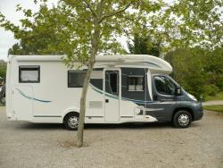 Aire camping-car 2 pers et + (en options)