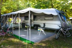 Pitch Bleu: 80/100Mq + Tent/Caravan Or Camping-Car + 6 Ampere Electricity