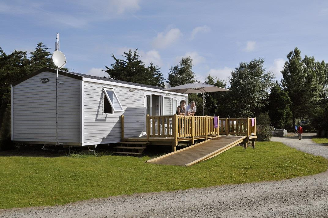 Wheelchair friendly Flower Camping La Grande Plage - Lesconil