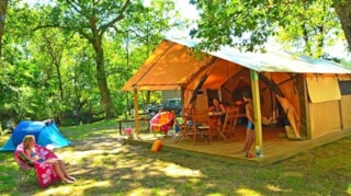 Les Cases : Tent Eco 2 Bedrooms (Without Toilet Blocks)