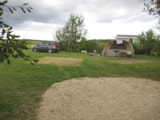 Pitch - Comfort Package (1 tent, caravan or motorhome / 1 car / electricity 10A) - Camping Ferme Pédagogique de Prunay