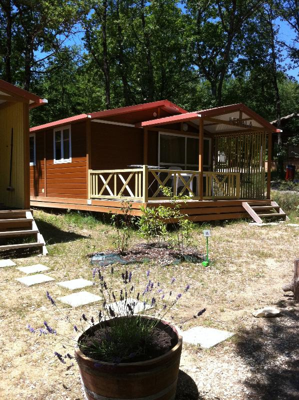 Chalet Moréa 25m² with terrace