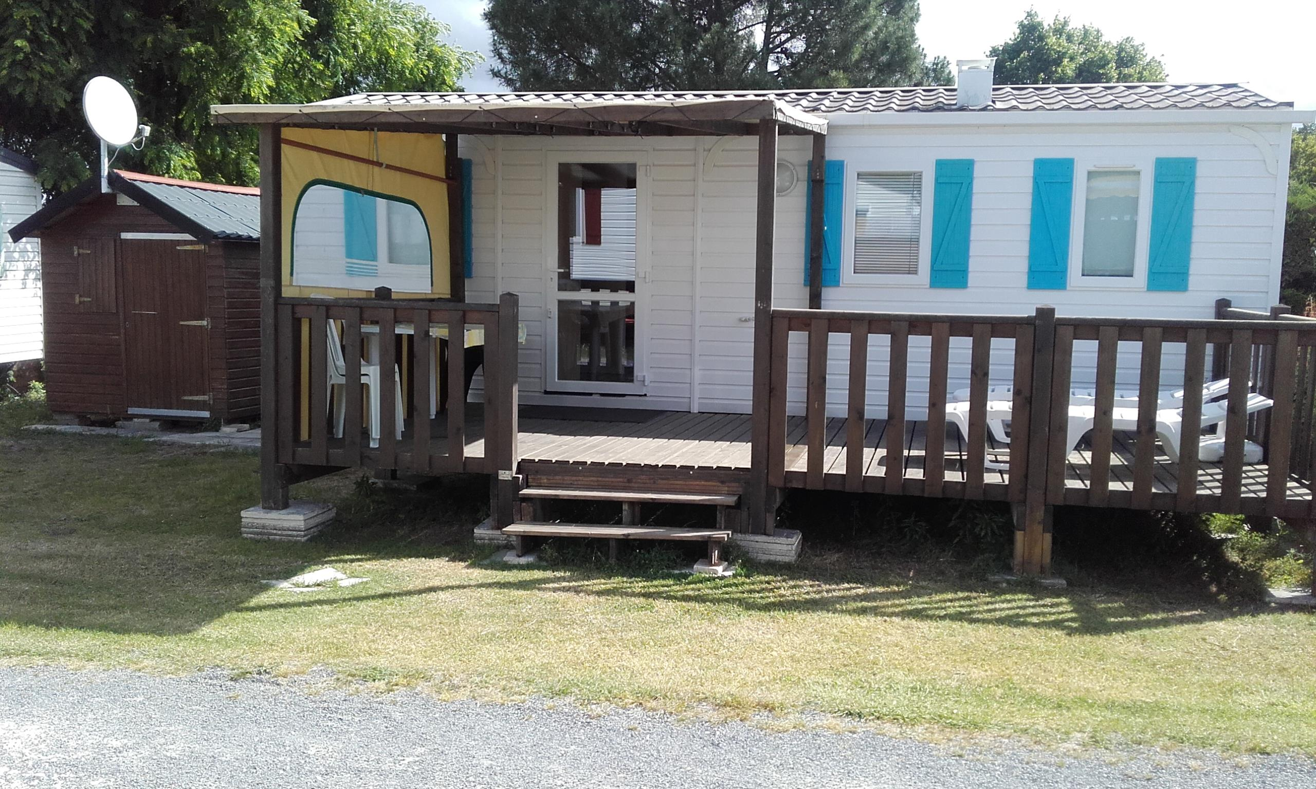Location - Mobilhome 2 Chambres N°46 - Terrasse En Bois Couverte - Camping Le Repaire