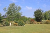 Pitch - Nature pitch 80-89m² + 2 persons (car + caravan or tent) - Camping Des Hautes Grées
