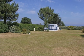 Comfort Pitch 80-89M² And Over + 2 Persons (Car + Caravan Or Tent + Electricity)