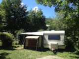 Pitch - Privilege Package (1 tent, caravan or motorhome / 1 car / electricity 10A) + water and dark water disposal - Camping Qualité l'Eden de la Vanoise