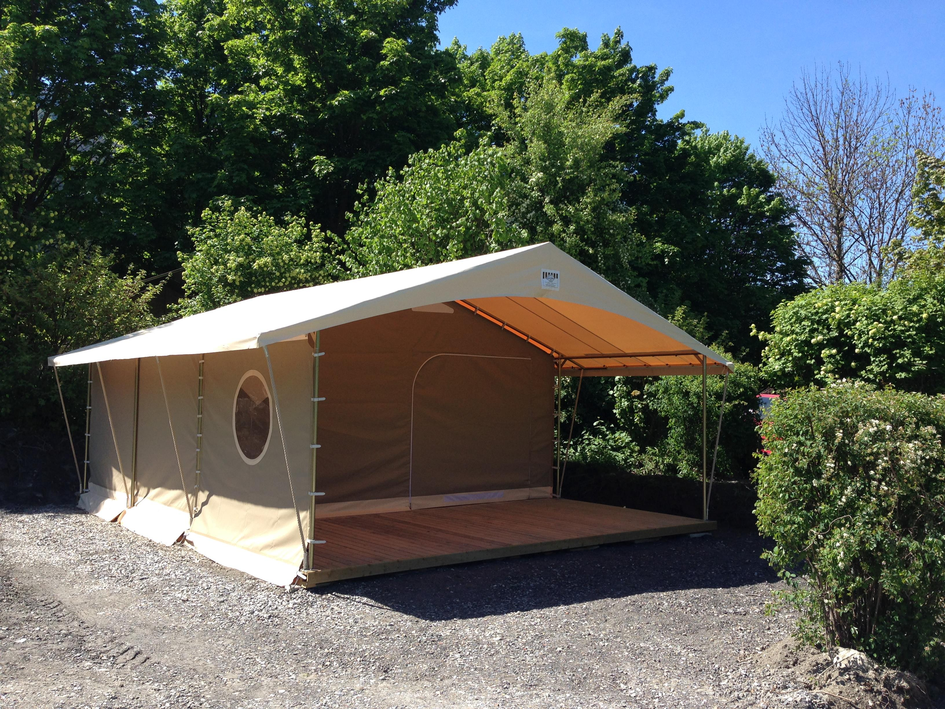Bungalow tent canada 2 rooms maximum 5 persons for Canadian bungalow