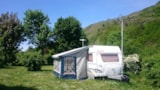 Pitch - Off-season couple package (1 tent, 1 caravan or 1 motorhome / 1 car / electricity 6A / 1 animal) + water connection and darkwater disposal - Camping Qualité l'Eden de la Vanoise