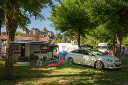 Accommodation - Caravan With Canopy - Camping La Plage