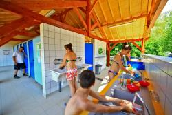 Wheelchair friendly Camping La Plage - Meyronne