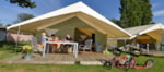 Leje - Family package SAFARI tent 2 nights ( with Kitchen ) - Camping Yverdon Plage