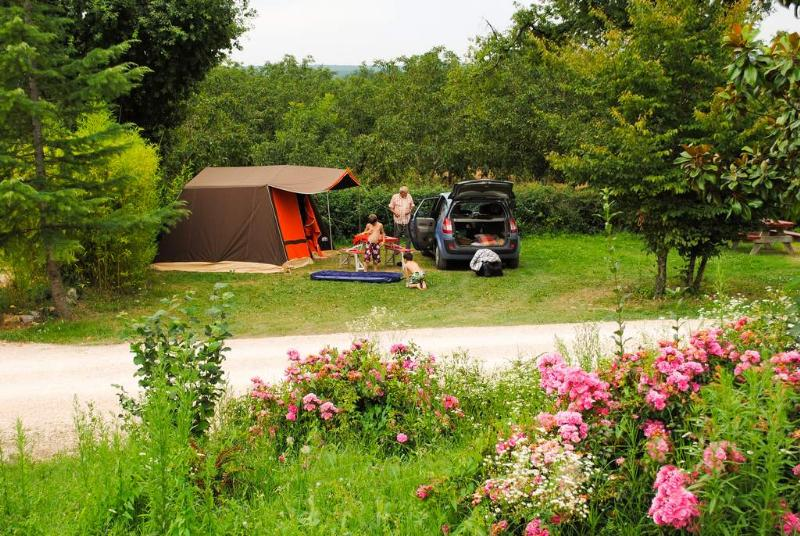 Forfait grand confort camping padimadour rocamadour for Camping rocamadour piscine