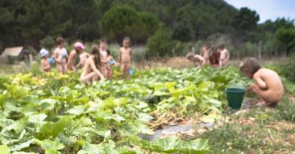 Children 7-12 years old the educational farm - Naturist Campsite ...