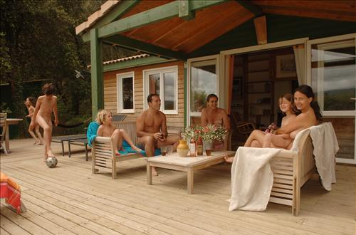 Villa Paradis : ultra-comfortable naturist holidays at Bélézy