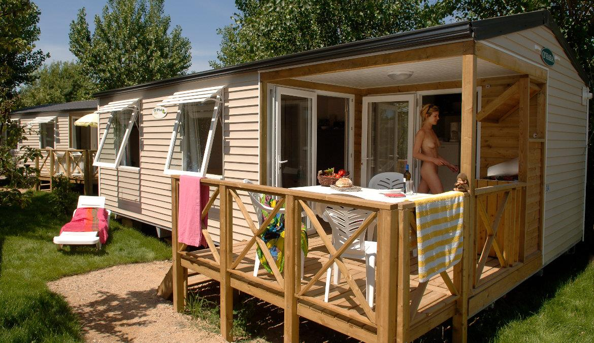 Make a last minute booking for a rental at a naturist campsite