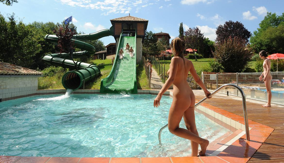 For water games and water fun aficionados, naturist way!