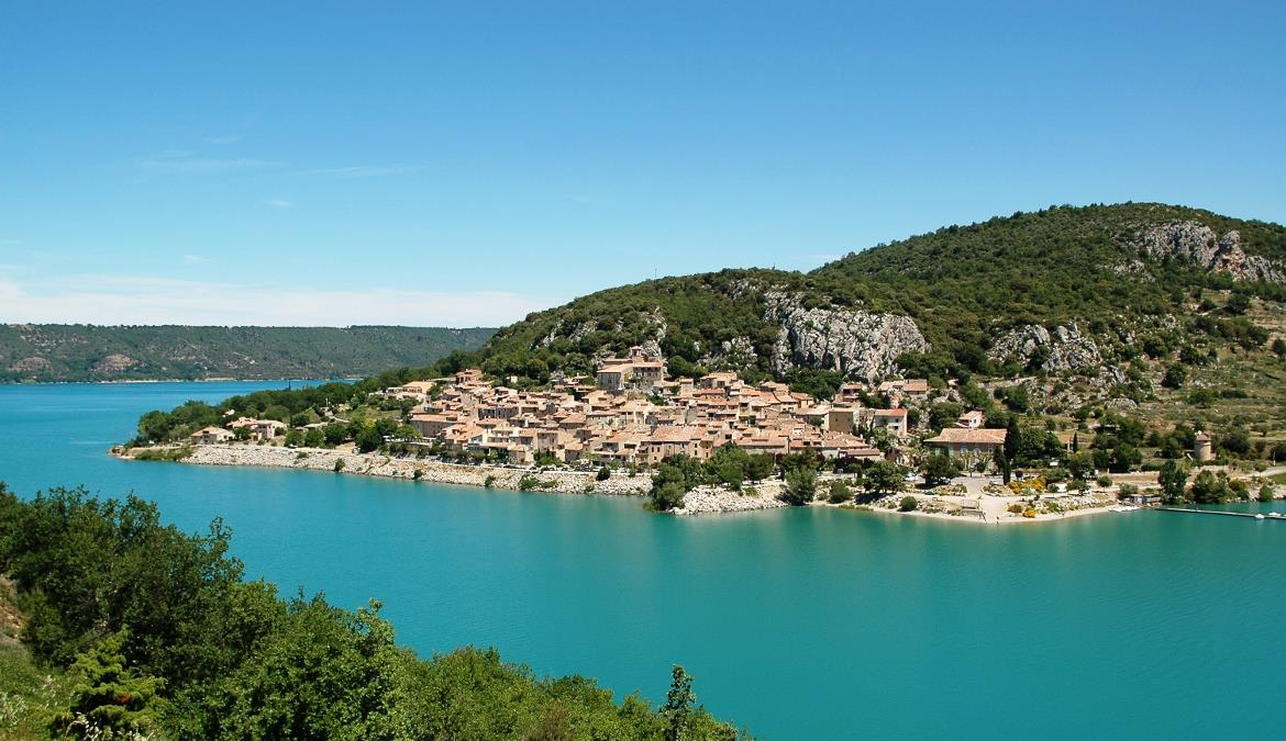 Enjoy living a naturist stay under the Provence & French Riviera sun