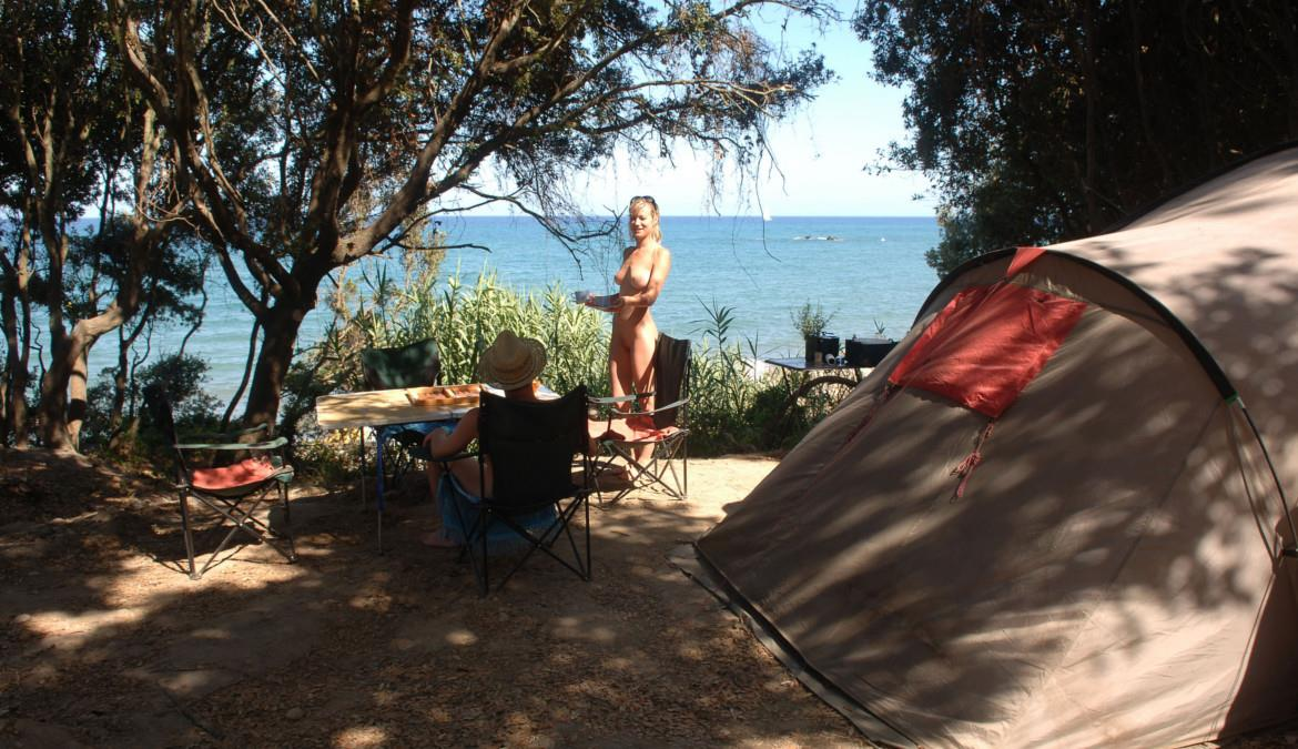 8 things you need to know about naturism!
