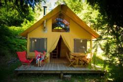 Tent la canadienne (with wood stove)
